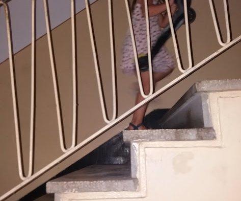 Pe scări tată, pe scări!