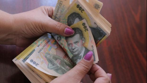 cum să câștigi bani în cunoștințe)